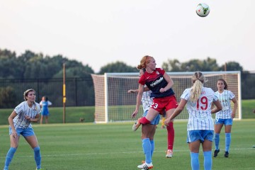 Tori Huster against the Chicago Red Stars.