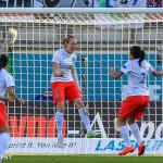 Sabrina Delannoy (PSG) celebrates her goal (penalty).