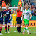 Alex Popp gets a yellow card in the 34th minute of the 2015 Frauen DFB-Pokal final.