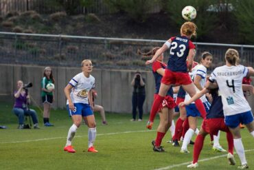 Tori Huster against FC Kansas City.