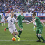 Sam Mewis (29) on the ball while Karen Duggan and Jessica Gleeson defend.