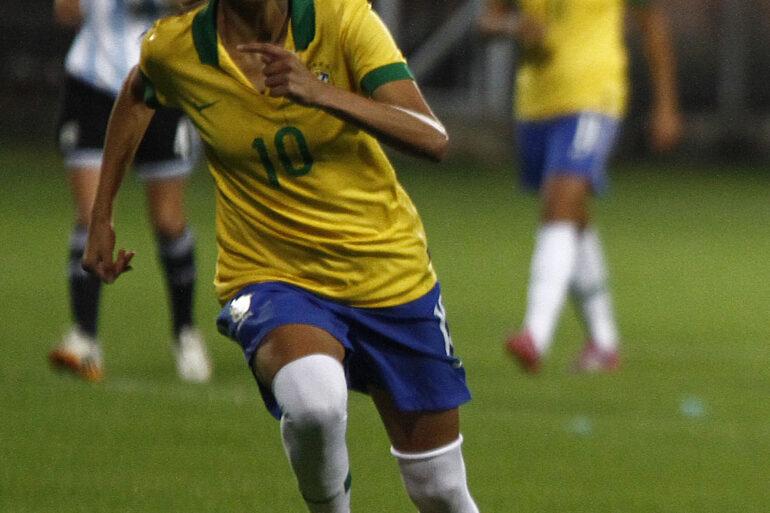 Andressa Alves for Brazil. Photo by Agencia de Noticias.