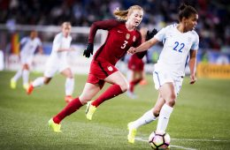 USA's Sam Mewis and England's Nikita Parris.