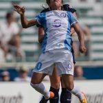 Marta in the air. (Shane Lardinois)