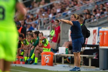 Seattle Reign head coach Laura Harvey. (Shane Lardinois)
