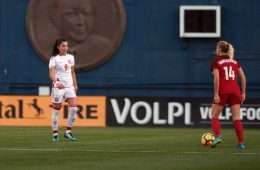 Nadia Nadim and Abby Dahlkemper square off. (Manette Gonzales)