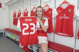 Beth Mead (Arsenal Twitter)