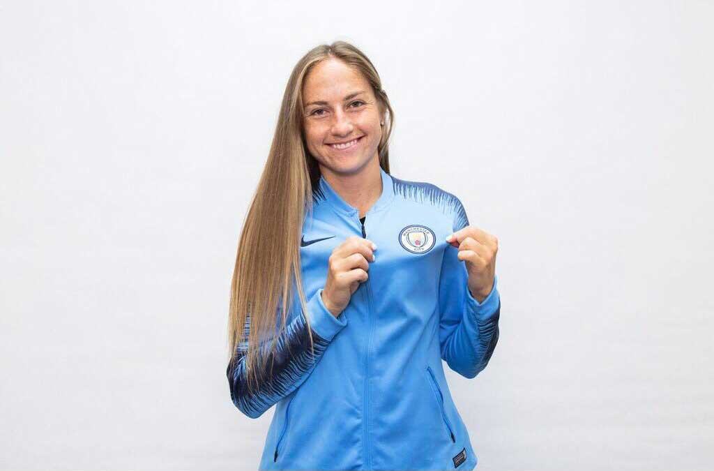 Janine Beckie signs for Manchester City. (Manchester City)