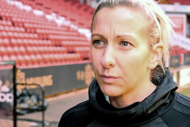 Carla Ward, head coach of Sheffield United (Sheffield United).