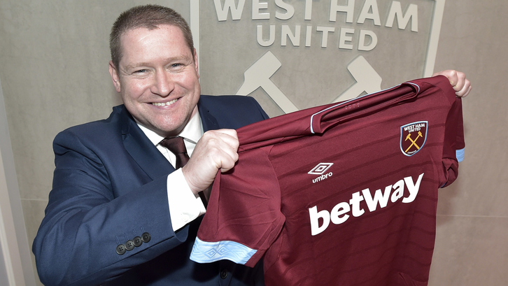 Matt Beard, West Ham United head coach (Arfa, West Ham)