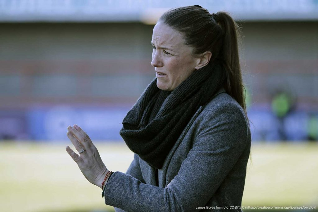 Manchester United head coach Casey Stoney on the sidelines. (James Boyes from UK [CC BY 2.0 (https://creativecommons.org/licenses/by/2.0)])