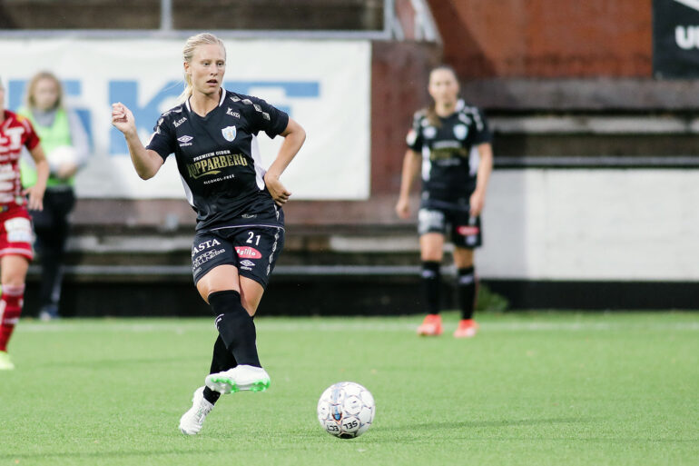 Rebecka Blomqvist playing for Kopparbergs/Goteborg FC. (Per Montini)