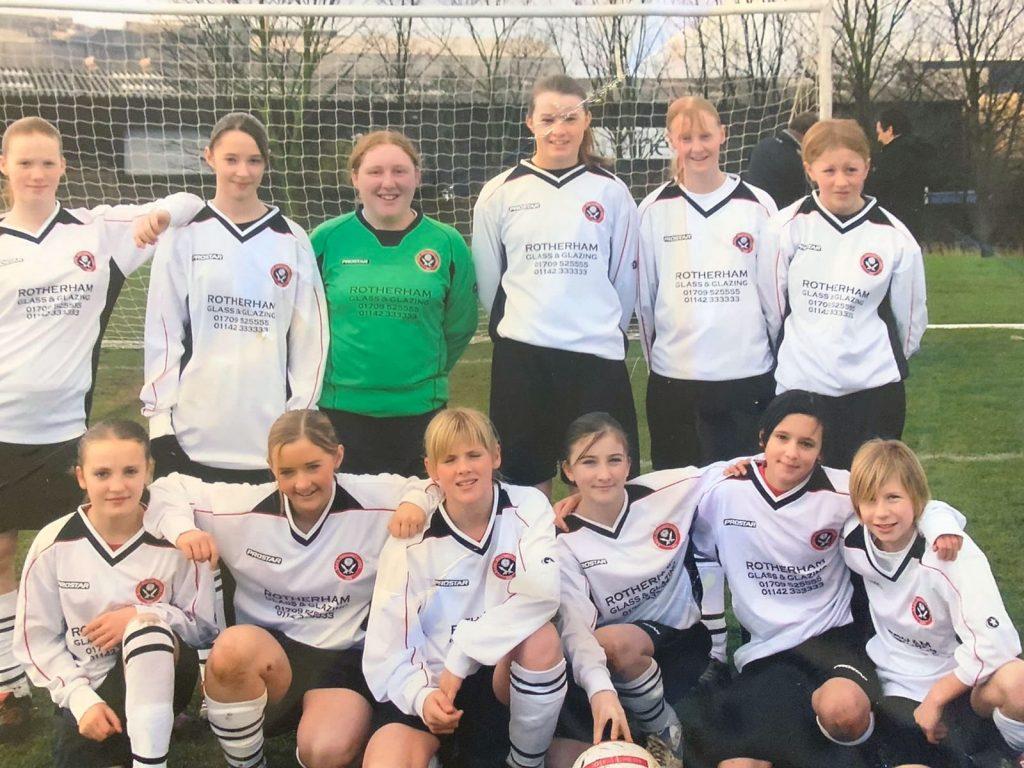 Beth England with Sheffield United Academy. (Beth England)