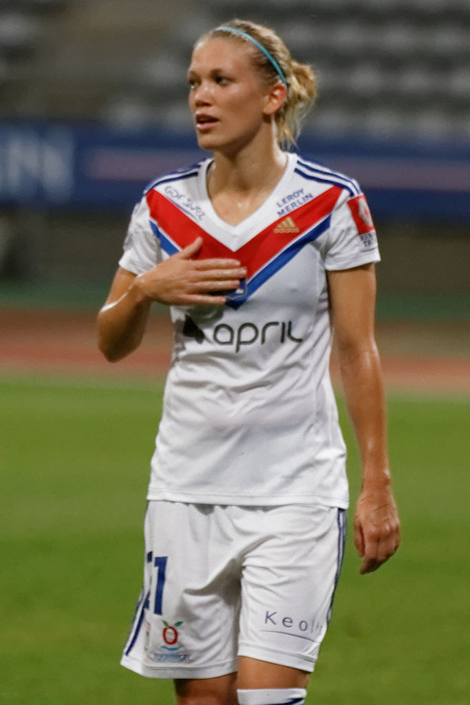 Lara Dickenmann playing for Lyon. (Pierre-Yves Beaudouin / Wikimedia Commons)