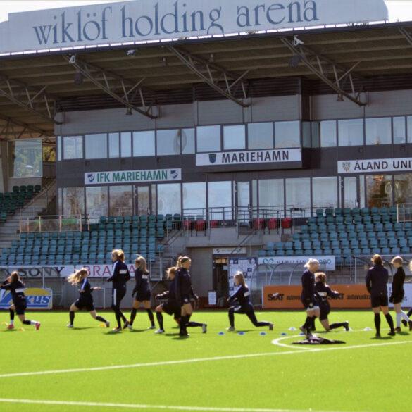 Aland United team training. (Aland United)